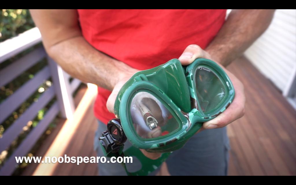 preparing a spearfishing mask